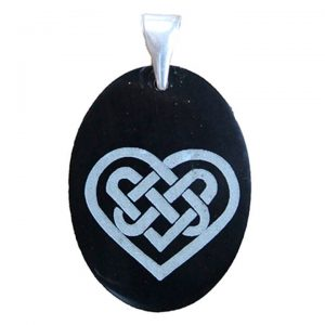 "Black jade engraved pendant ""celtic heart"""