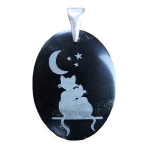 """Black jade engraved pendant """"cats looking at the moon"""""""