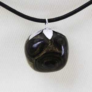 Stromatolite-pendant-with-sterling-silver-leaves-DTam-Stro-002a